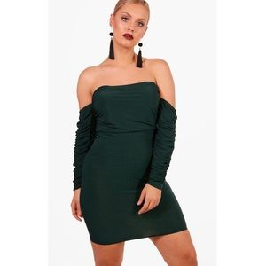 Boohoo Plus - Rouched Off Shoulder Dress